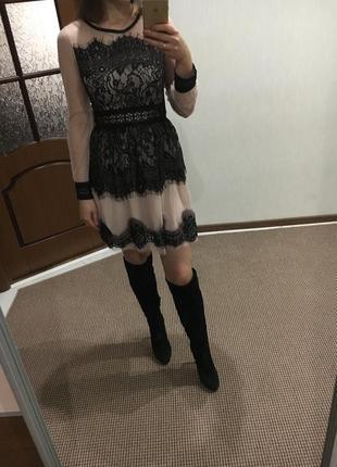 Платье пудрового цвета гипюр