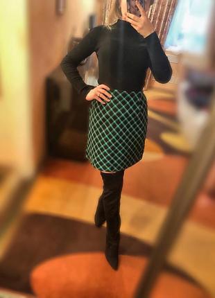 Чёрная зелёная юбка в клеточку клетчатая юбка