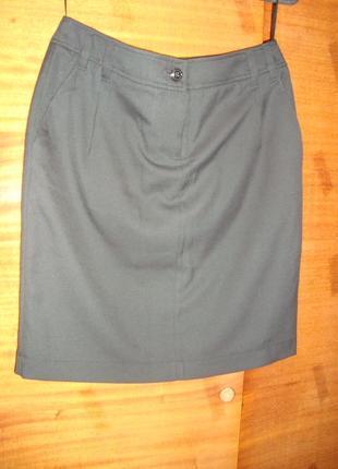 Классическая юбка   с карманами незаменимая вещь в гардеробе