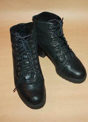 Кожаные утеплённые ботинки на шнуровке/шнурках vagabond