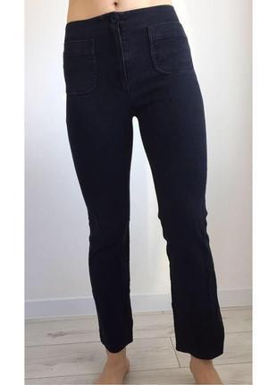 Джинси чорні кльошні, стильні джинси, тренд 2019.