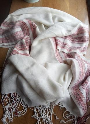 Тонкий белый палантин из пашмины (элитного кашемира) и шелка с полосами