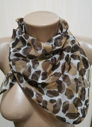 Леопардовый шейный платок