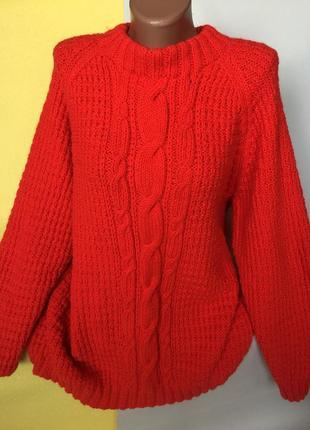 Тёплый свитер крупной вязки