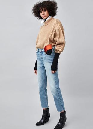 Фирменные плотные джинсы с необработанным краем