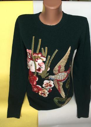 Шикарный свитер с вышивкой шерсть 50%