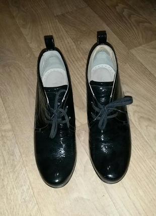 Ecco ботинки  на каблуке обуты пару раз