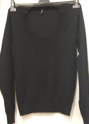 Базовый свитерок с круглым вырезом