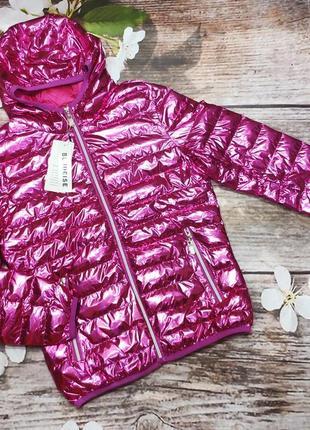 Яркая женская куртка bludeise
