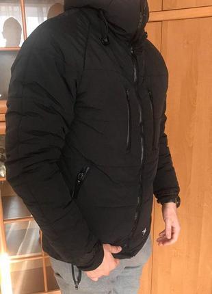 Зимняя курточка staff.