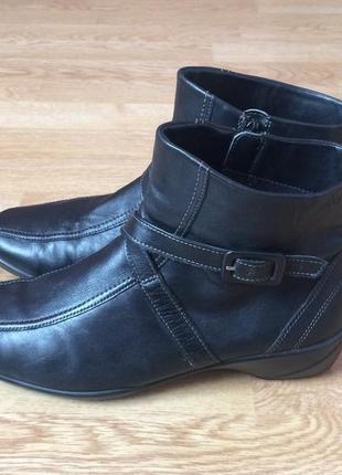 Кожаные ботинки ecco 40 размера