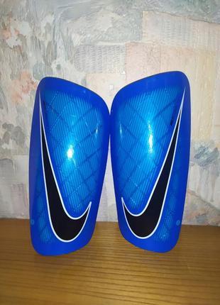 Футбольные щитки nike mercurial/lite (original)