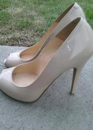 Брендовые туфли с открытым носком 39