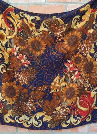 Женский шелковый платок chanel 90х90 см.