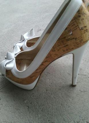 Брендовые туфли 39р.