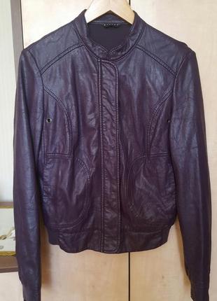 Красивая куртка sisley искусственная кожа