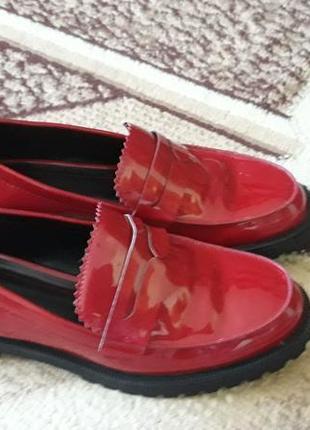 Туфлі бершка