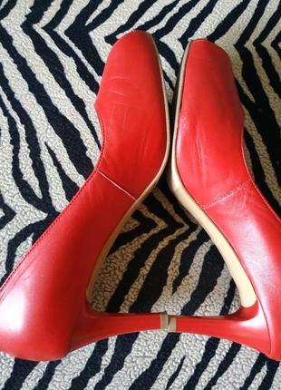 Крутейшие туфли 100% кожа кожаные лодочки босоножки