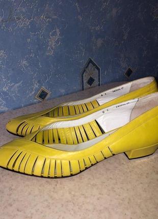 Кожаные туфли bally suisse 38,5 р.