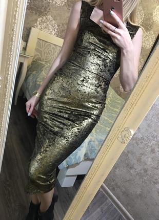 Шикарное, бархатное, золотое платье