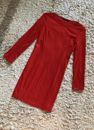 Классное красное платье incity