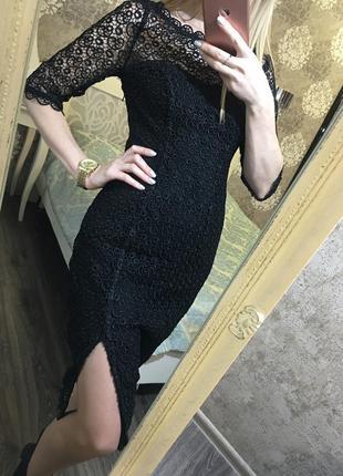 Шикарное кружевное платье дорого брэнда