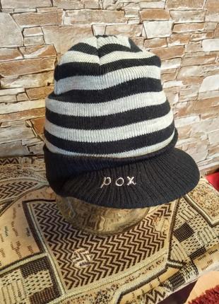 Шведский бренд,новая,шикарная шапка с козырьком,шапочка,теплая шапочка,шапка