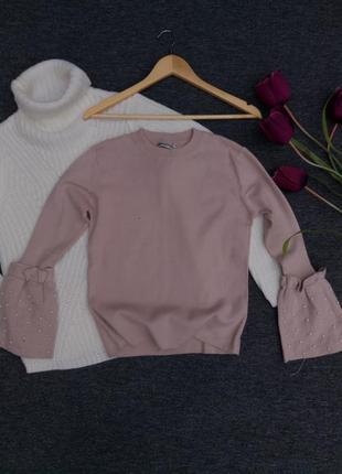Крутой свитерок с красивыми рукава с жемчугом раз. m-l