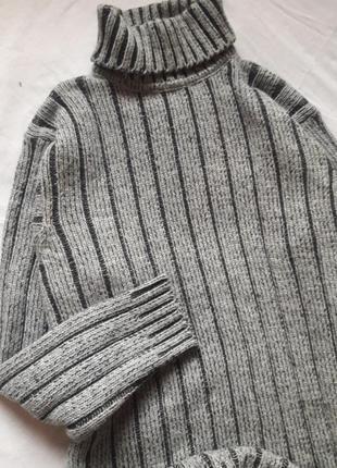 Обьёбный свитер крупной вязки с горлом