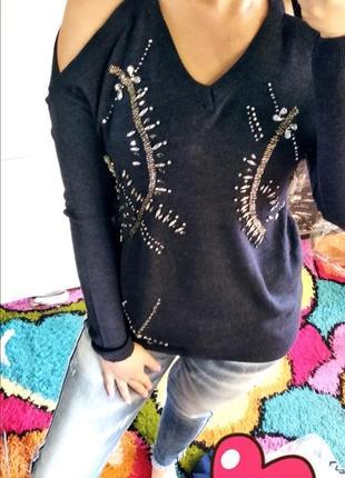 Кофта свитер с открытыми плечами