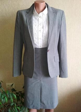 Стильный брендовый шерстяной костюм,р.38
