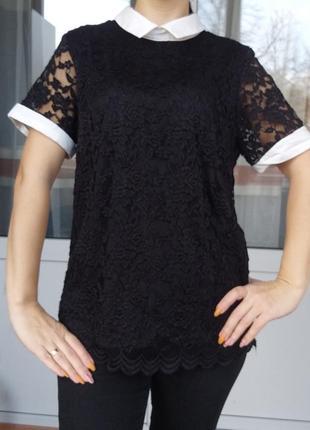S/m чёрная гипюровая блуза с белым воротником и манжетами