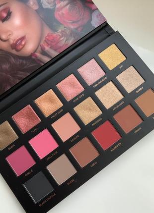 Huda beauty rose palette
