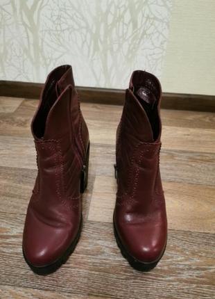 Ботинки осенние. цвет - бордовый. размер 40