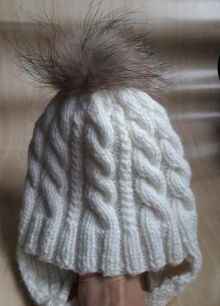 Детская вязаная шапка с бубоном помпоном
