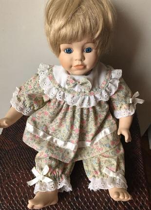 Фарфор кукла девочка promenade collection.  клеймо. коллекционная.