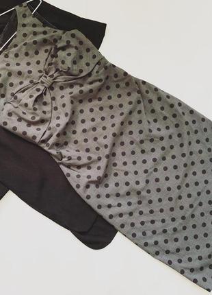 Серое платье в горох moschino  97% шерсть