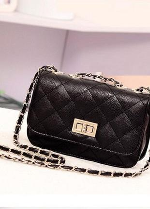 Женская чёрная кожаная популярная недорогая стильная мини сумочка клатч