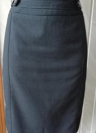 Классическая юбка по фигуре с интересными деталями