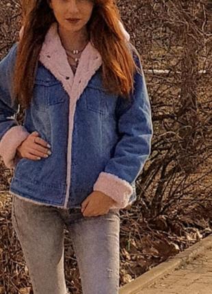 Джинсовая теплая куртка с капюшоном