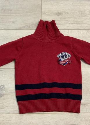 Тёплый фирменный свитер под горло