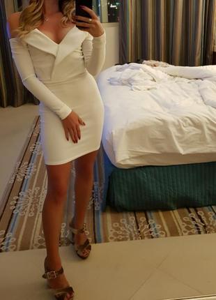 Платье на длинный рукав