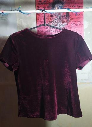 Женственная футболка из вельвета