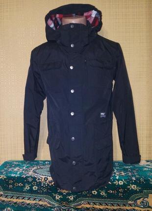 Качественная куртка,ветровка от шведского бренда warp 158/164