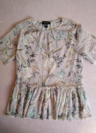 Цветочная блуза-сетка с оборкой оверсайз