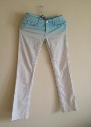 Брендовые джинсы стрейтч прямые 26 р.