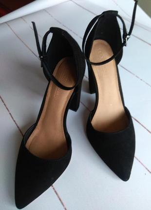 Суперские классические туфельки