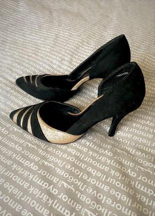 Туфли лодочки чёрные острый носок блестящие золотые нарядные замша купить цена