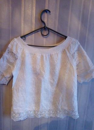 Красивая блузка топ с вышивкой и кружевом