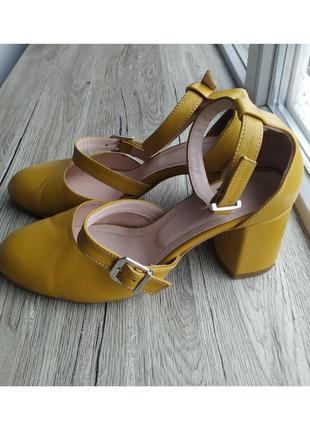 Кожаные туфли. горчичные / горчичнего цвета studio.27